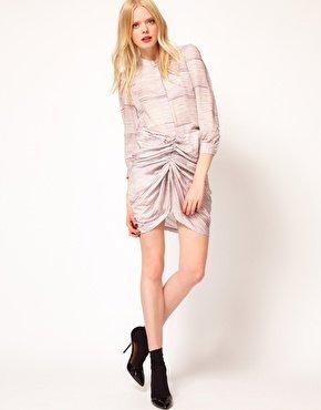 Una gonna particolare? Una donna a triangolo invertito può indossarla senza remore! (asos, see by chloe)