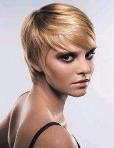 Hai un viso a diamante? Forse allora faresti meglio a lasciare a donne con altre forme di viso i tagli troppo corti...