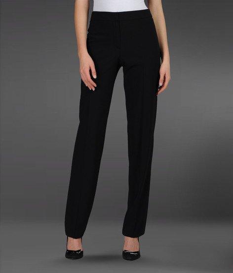 Se hai le gambe corte scegli pantaloni a vita alta.