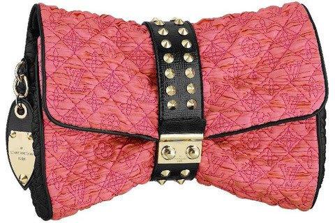 Un look non è davvero completo finché non è completato da una borsa: se cerchi una borsetta da sera la pochette è un'ottima soluzione!