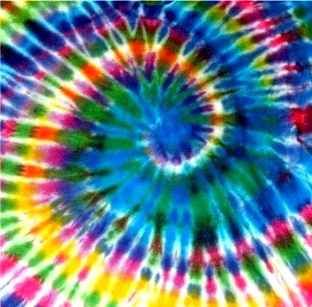 La tecnica tie-dye può generare effetti davvero sorprendenti.