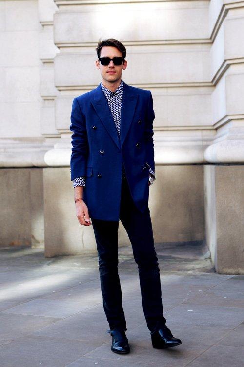 Camicia blu scuro abbinamento