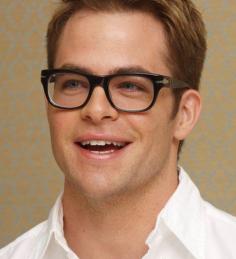 Tutti gli occhiali da vista per lui secondo la forma del viso ev
