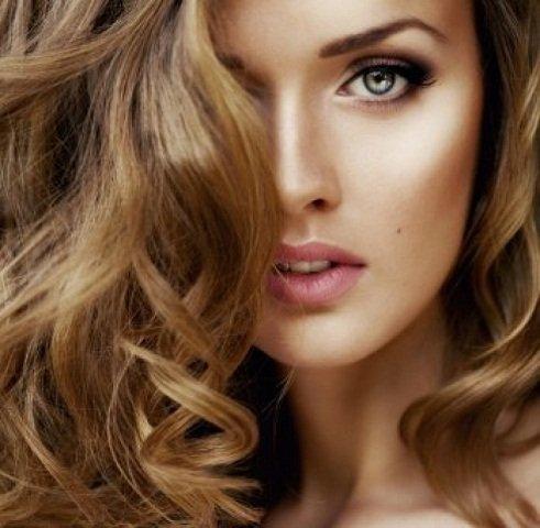 Come mantieni il colore dei tuoi capelli tinti d'estate? balsamo colorante per capelli tinti
