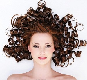 Come mantieni il colore dei tuoi capelli tinti d'estate? ev