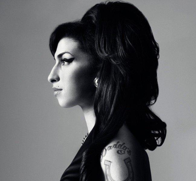 Trucco naso aquilino - Il naso aquilino di Amy Winehouse