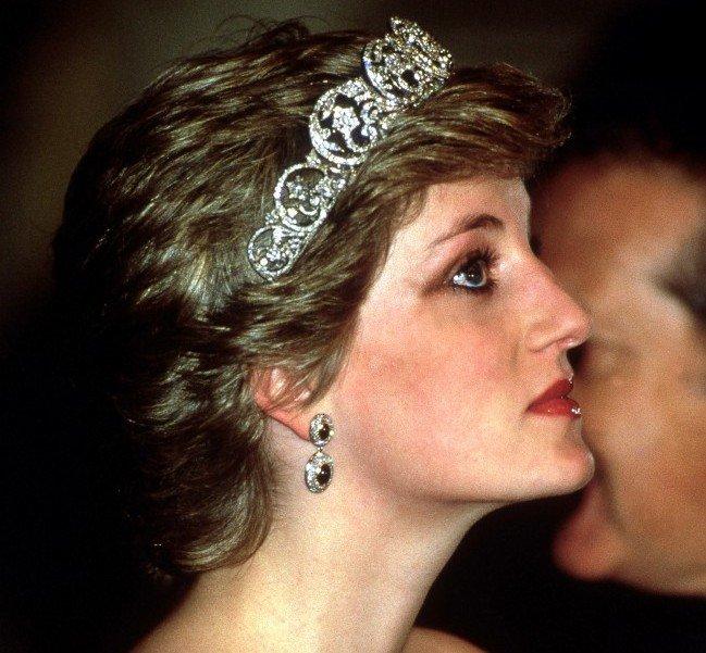 Trucco naso greco - Diana è stata una fiera portatrice di naso greco