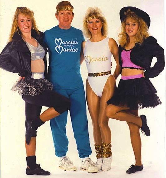 Festa anni '80 - Altro must di questi anni sono gli scaldamuscoli!