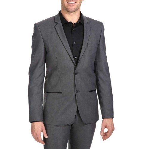 Outfit teatro uomo - Per questi spettacoli non è necessaria la cravatta