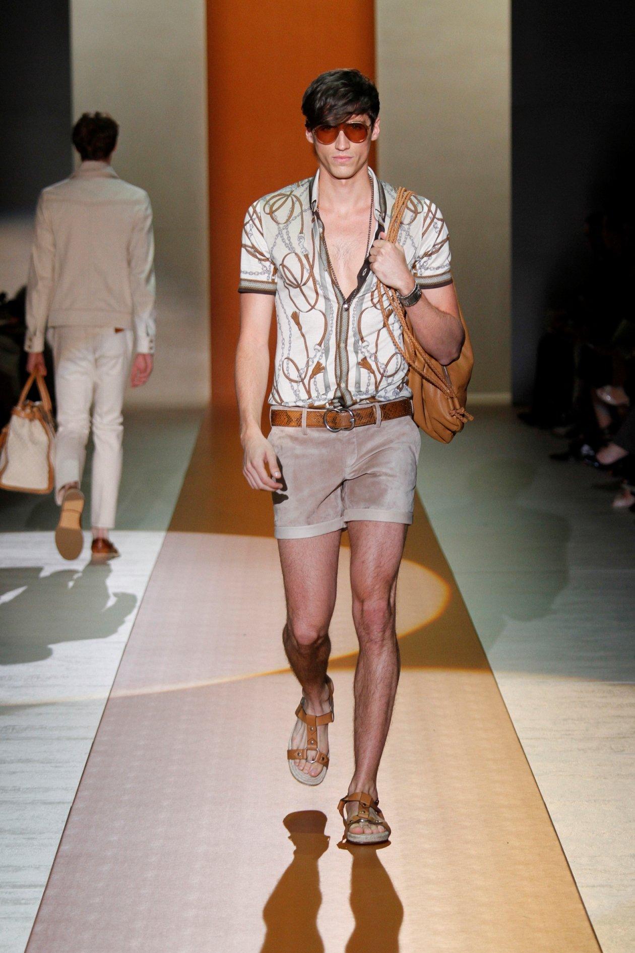 Sei un uomo robusto? Lascia i pantaloncini corti a figure più flessuose!