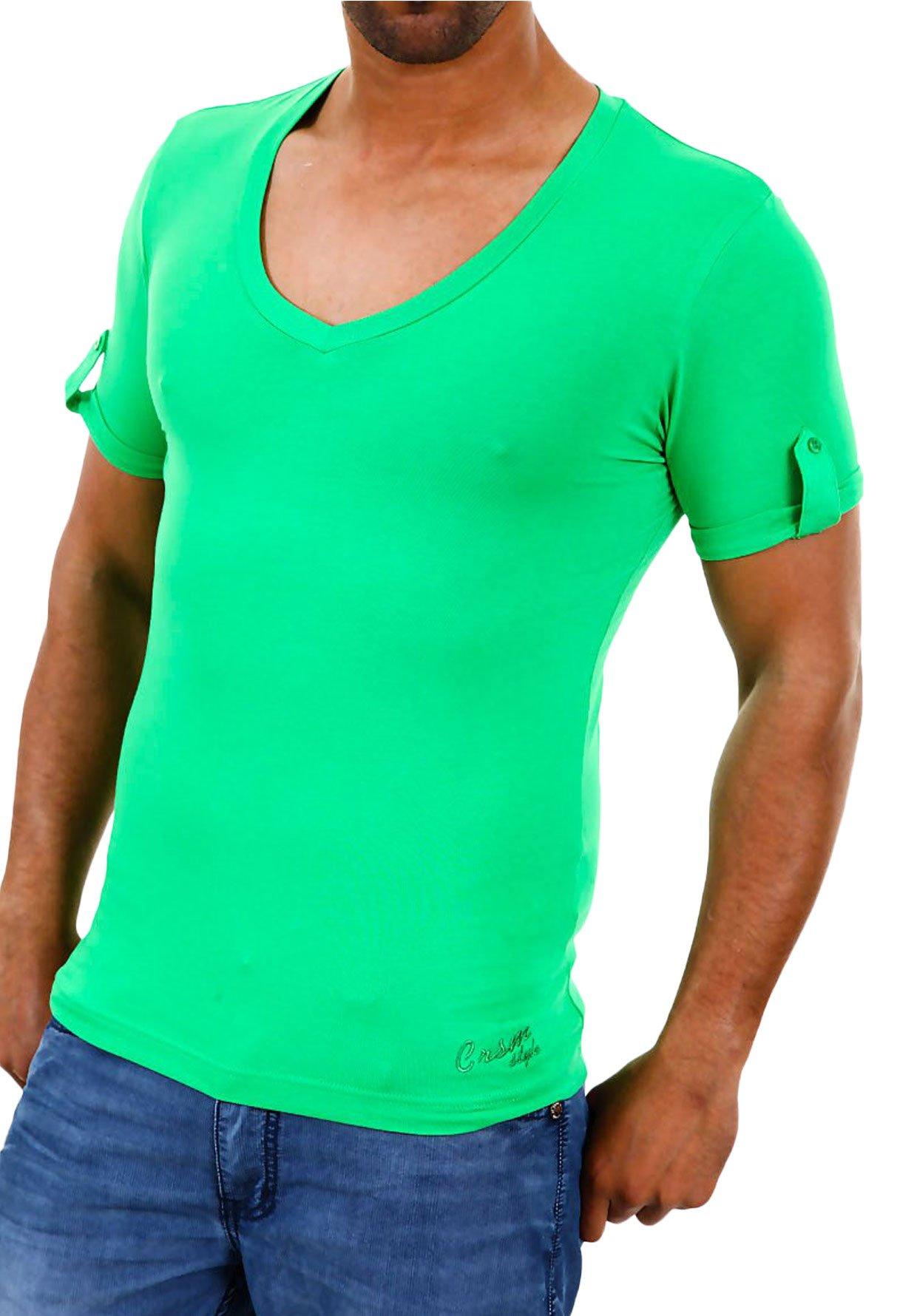 Sei un uomo a pomodoro? Una maglietta aderente e da colore sgargiante non fa proprio al caso tuo!