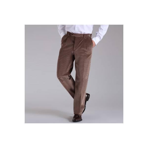 Un uomo a fagiolino può indossare tessuti corposi come il velluto.
