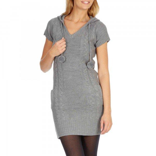 come-mi-vesto-per-fare-shopping-autunno-inverno-donna - L'abbigliamento ideale per fare shopping è un abitino