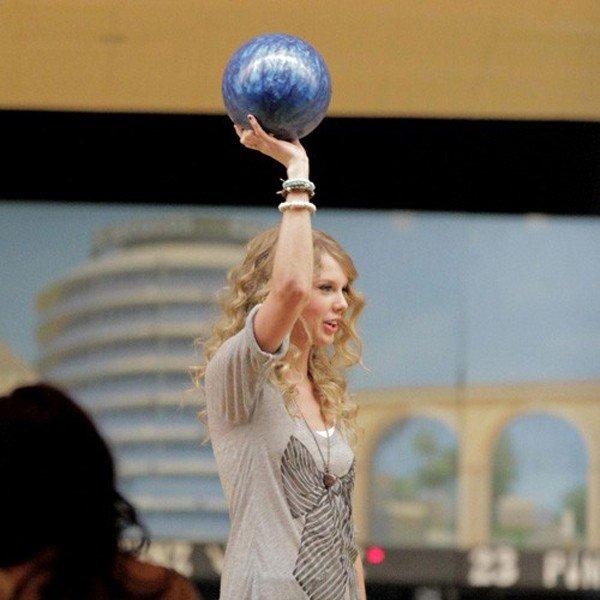 come-mi-vesto-bowling-donna-autunno-inverno - Evita bijoux o anelli che potrebbero disturbarti o farti male durante il tiro