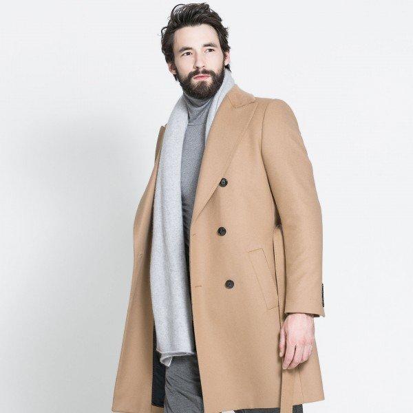 come-mi-vesto-per-una-cena-romantica-consigli-per-lui - No ai piumini, scegli un cappotto!