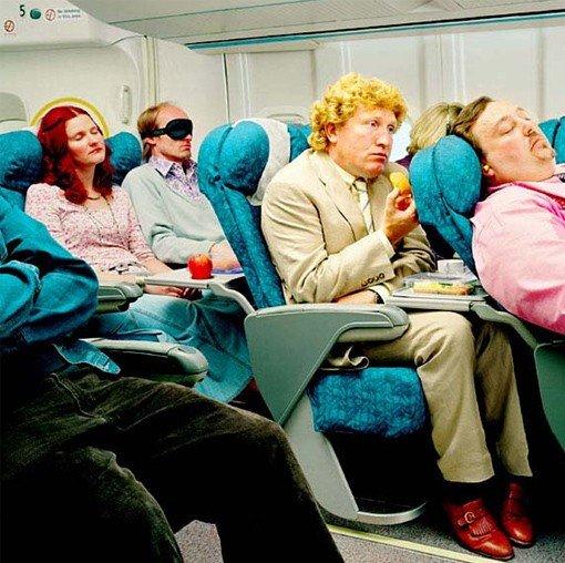 come-mi-vesto-per-un-viaggio-aereo-autunno-inverno-consigli-per-lui - In aereo è fondamentale indossare vestiti comodi