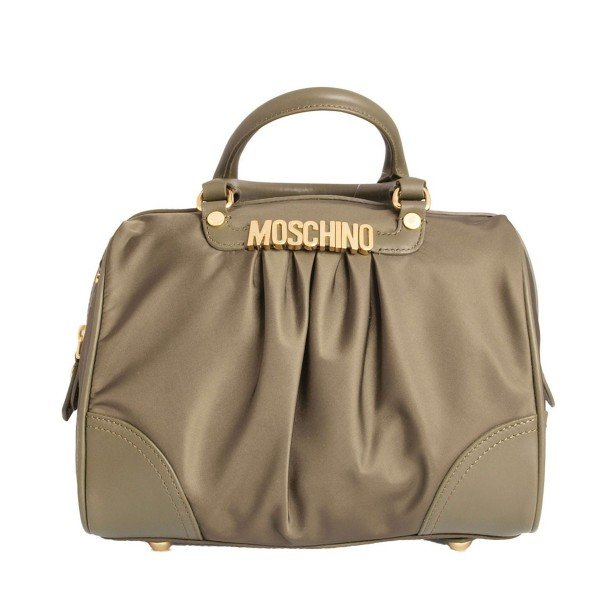 Scegli una borsa poco voluminosa in modo che non ti crei disturbo
