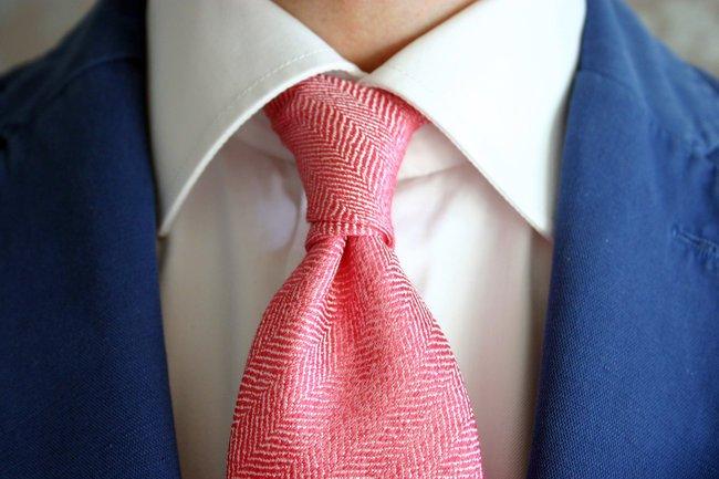Nodo cravatta doppio