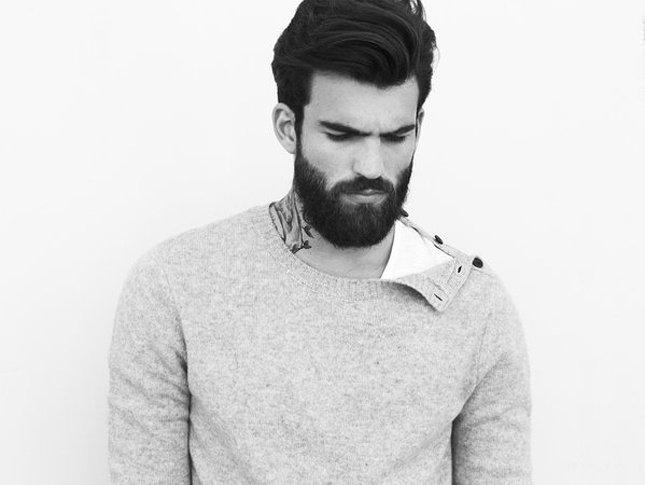 in quanto cresce la barba